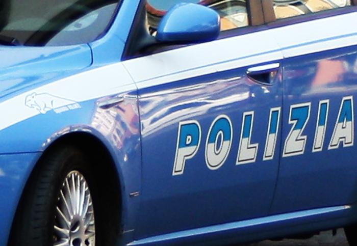 Volante Polizia 2 4 4